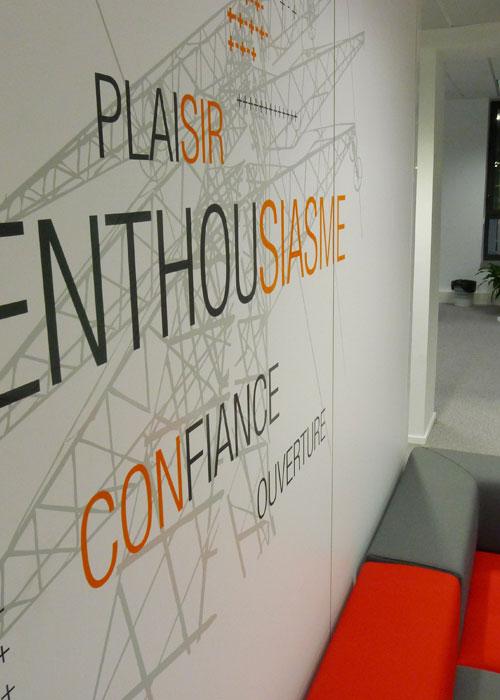 Le si ge social du groupe rte habill habillement par nos - Deco bureau design contemporain ...