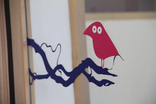 vitrophanie>enfant>oiseau