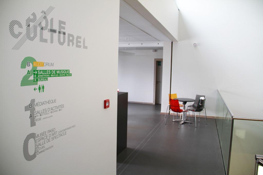 Osmoze atelier dart mural décoration signalétique étage espace culturel