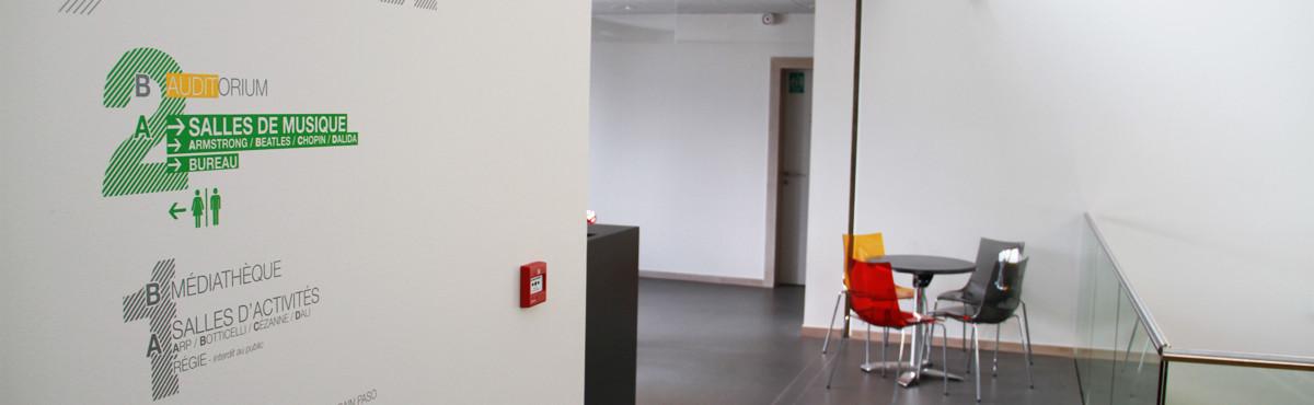 Osmoze - Atelier d'Art mural > décoration signalétique étage espace culturel