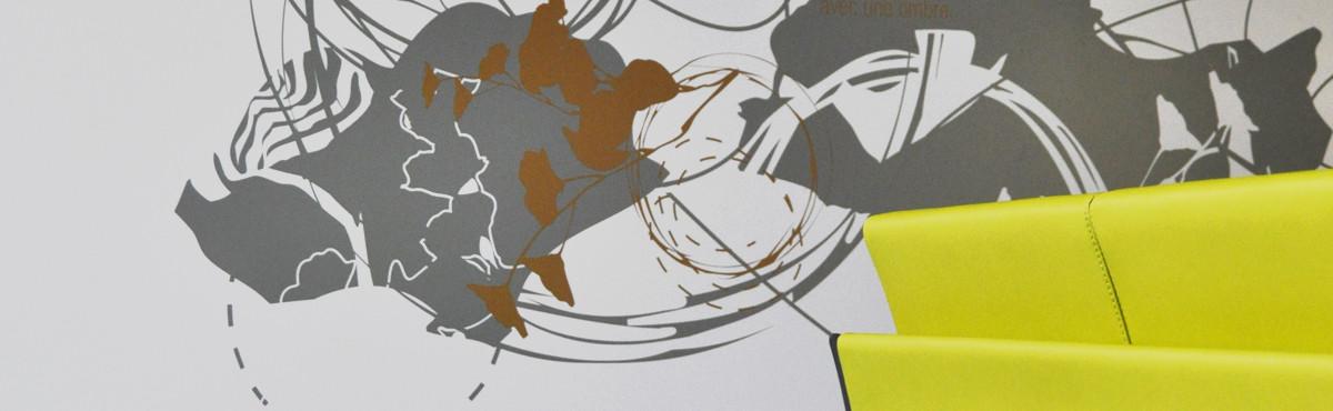 Osmoze - Atelier d'Art mural > Signalétique marquage monumental hall accueil - détail