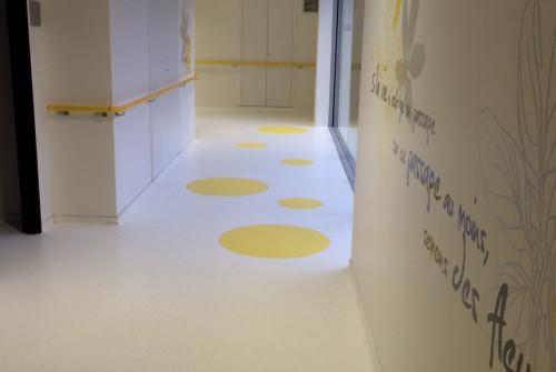 Art Mural > Décoration et Signalétique > Mur > Ehpad > Design mural couloir