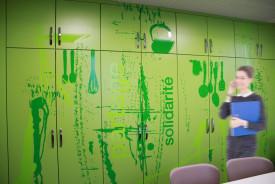 décoration murale d'un restaurant d'entreprise.