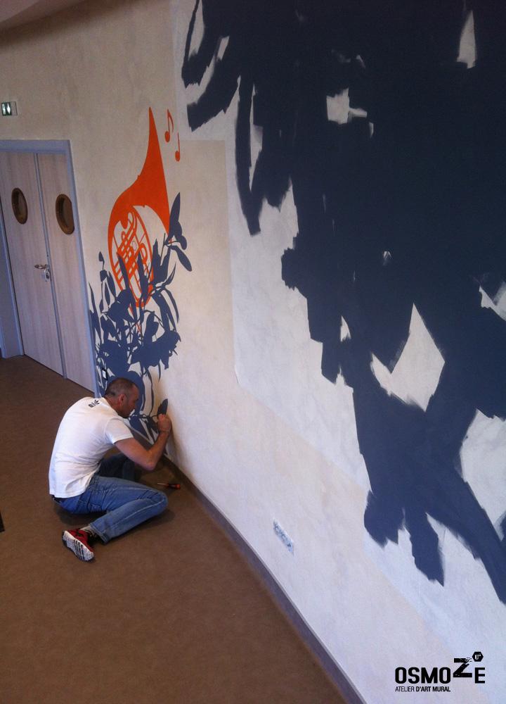 Une d coration murale sensorielle en cours de r alisation for Decoration murale exterieure pour maison