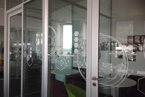 design>vitre>adhesif