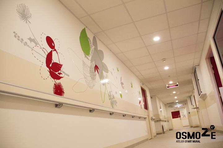 Décoration de couloir > CHU Hôpital de Brest > Mur