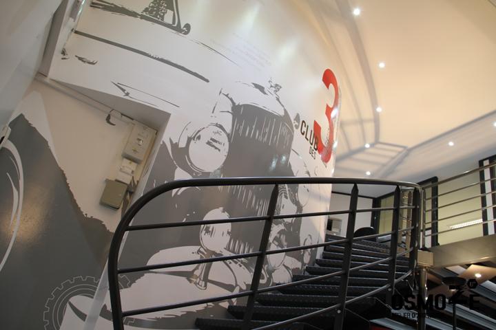 Décor Mural Club3A Automobile Lyon > Cage escalier > Décoration Murale