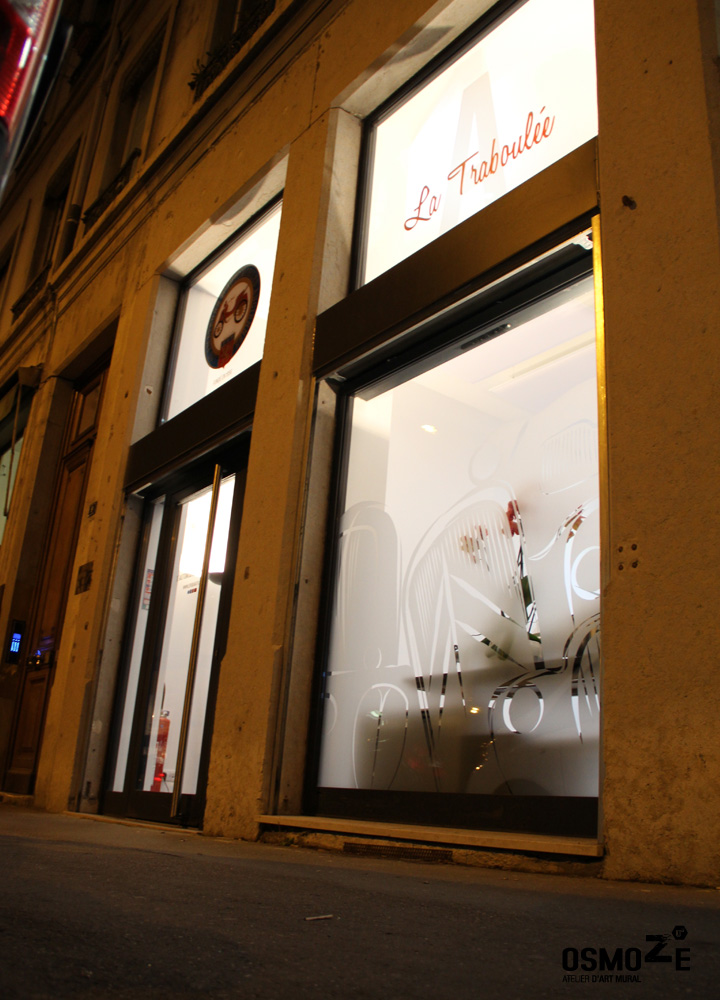 Décor Mural Club3A Automobile Lyon > Entrée > Décoration Murale