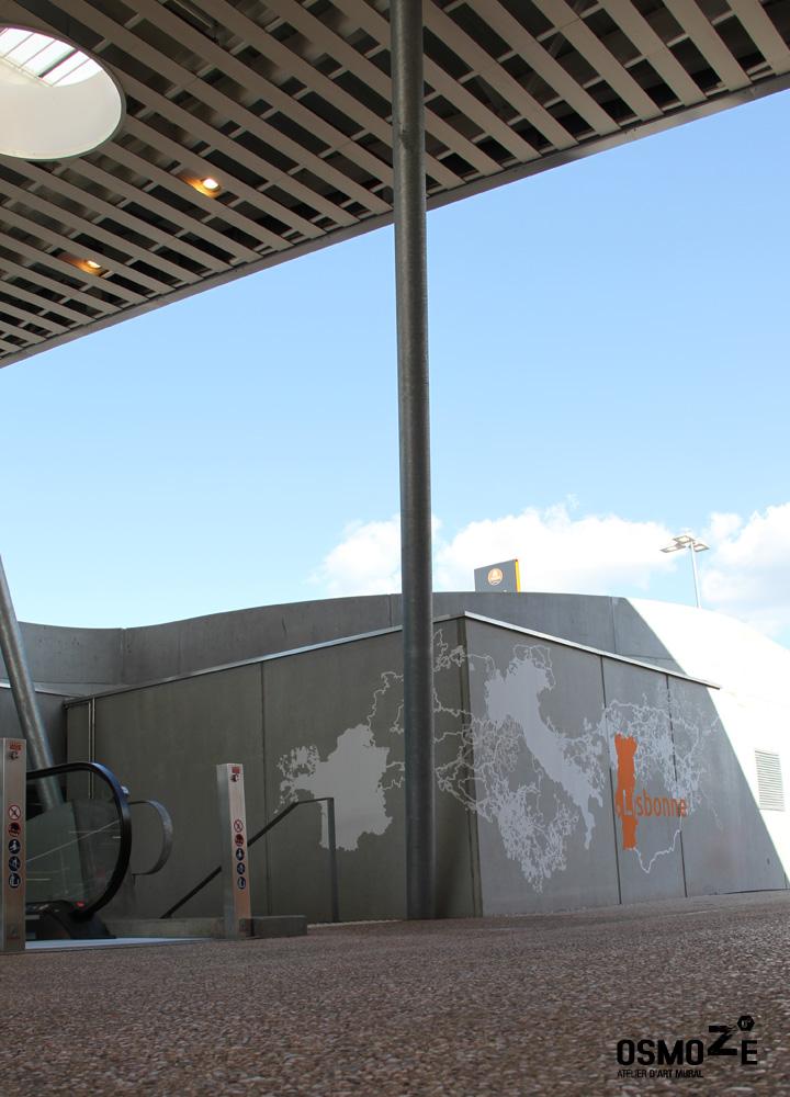 Fresque Décor Parking > Façade Béton > Galerie Commerciale Mont Saint Martin