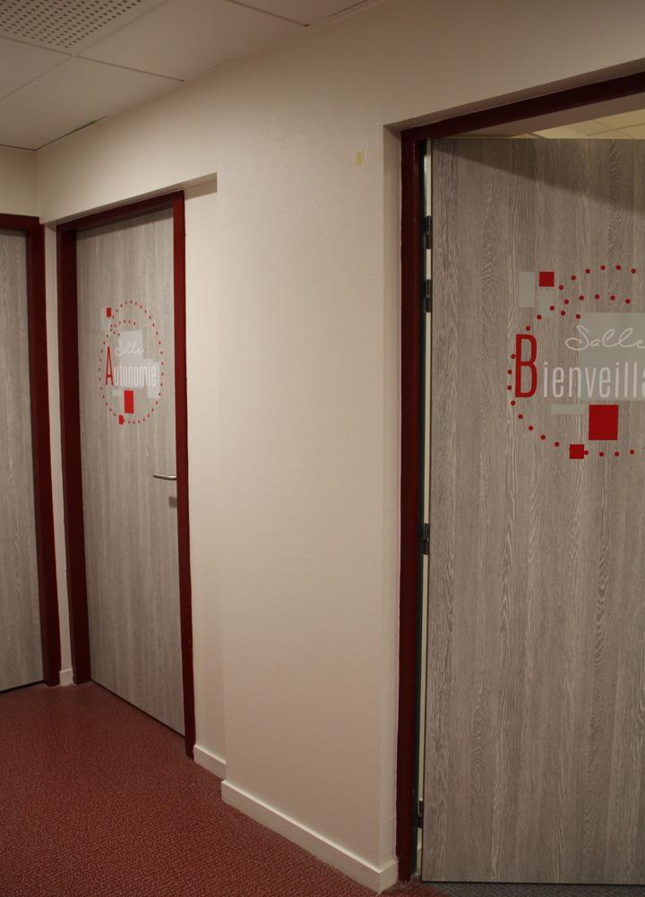 Signalétique murale > Siège Social LES PEP01 > Porte