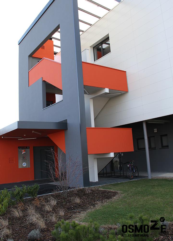 Signalétique Murale Artistique > Cabinet Architecture M Associé > Totem extérieur