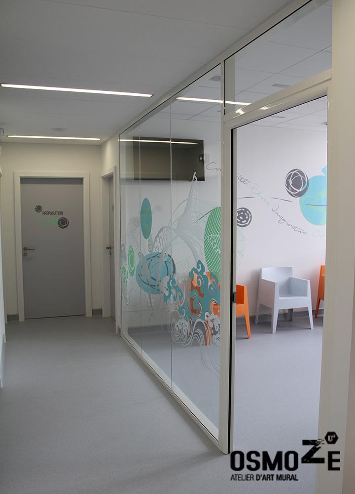 Vitrophanie décor japonisant et zen > Centre Laser > Clinique > Salle attente