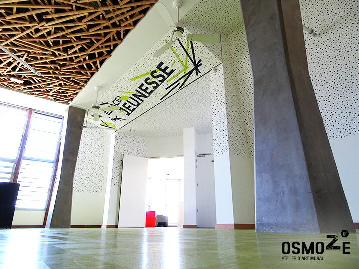 Décoration murale et signalétique contemporaine>Médiathèque Saint-Joseph>Ile de la Réunion>Espace Jeunesse