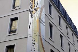 Décoration murale et signalétique artistique > Décoration Murale Contemporaine > Pictural > Ehpad Le Voltaire > Façade