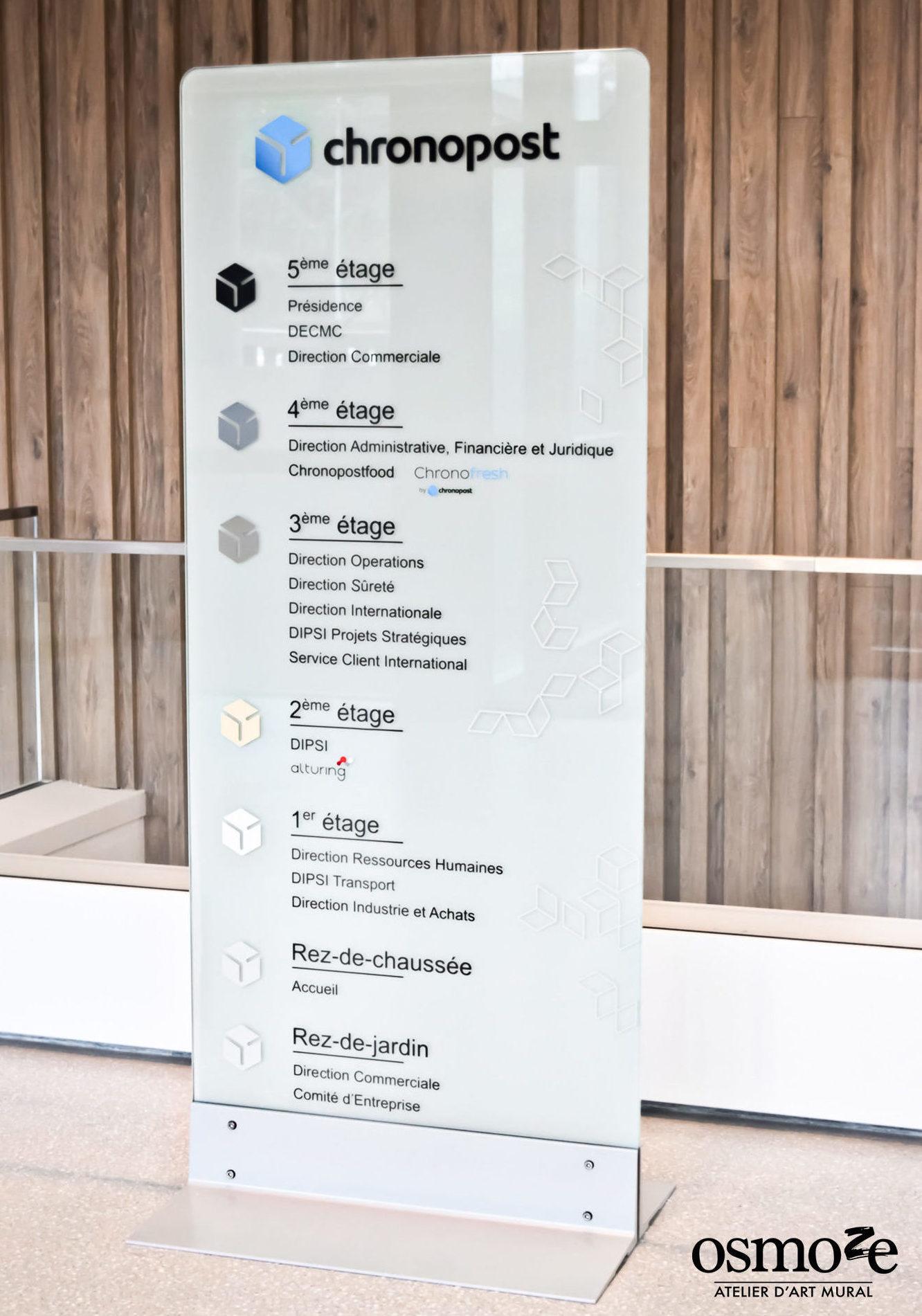 Chronopost > Paris > Vitrophanie > Signalétique décorative > Totem