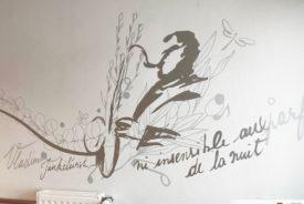 Une danse avec les fleurs dans l' EHPAD Eugène Romaine