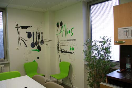 un petit espace de pause et une petite cuisine d 39 entreprise anim s graphiquement par nos soins. Black Bedroom Furniture Sets. Home Design Ideas