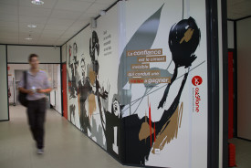 decor mural sport geant signaletique entreprise siege social creation fabrication decoration