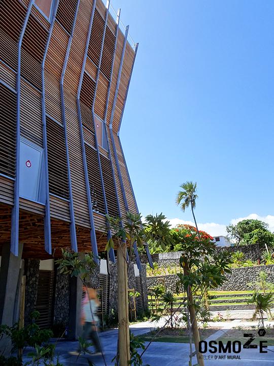 Décoration murale et signalétique artistique > Décoration murale et signalétique contemporaine>Médiathèque Saint-Joseph>Ile de la Réunion>Bâtiment principal
