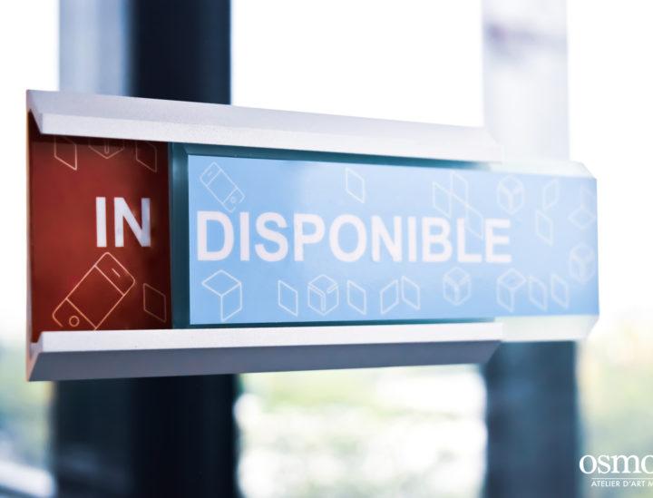 Chronopost > Paris > Vitrophanie > Signalétique décorative > Signalétique bureaux > Phone box