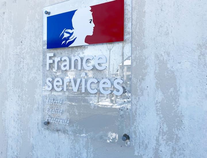 Plaque signalétique artistique institutionnelle - Mairie de Binic by Osmoze