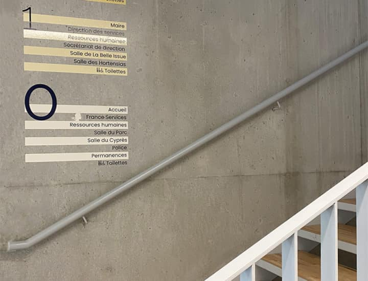 Signalétique artistique institutionnelle - Mairie de Binic by Osmoze